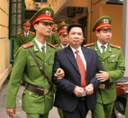 Vietnam frees Nguyen Tien Trung and Vi Duc Hoi